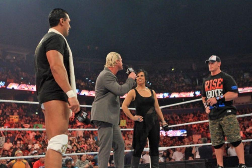 Τους... έδειρε όλους ο CM Punk