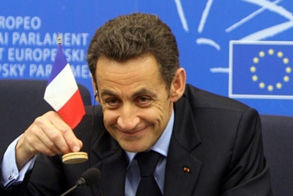 Σαρκοζί: Το ευρώ δεν εμπνέει εμπιστοσύνη