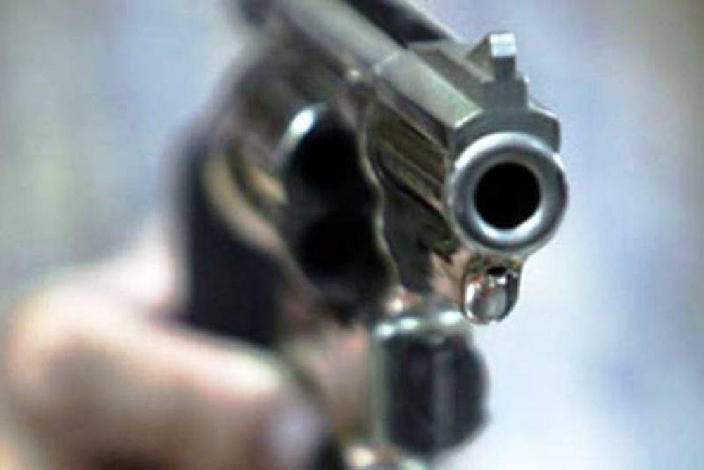 Πυροβολισμοί σε ληστεία κοσμηματοπωλείου