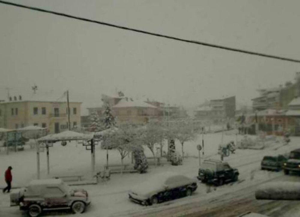 Στα χιόνια η Ελλάδα