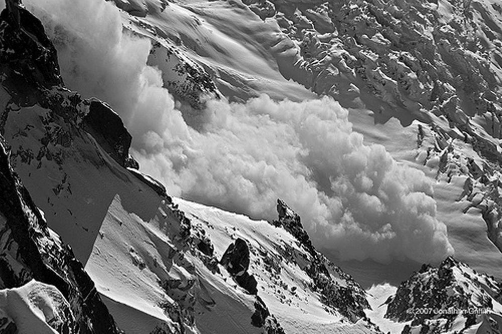 Προσοχή στις χιονοστιβάδες