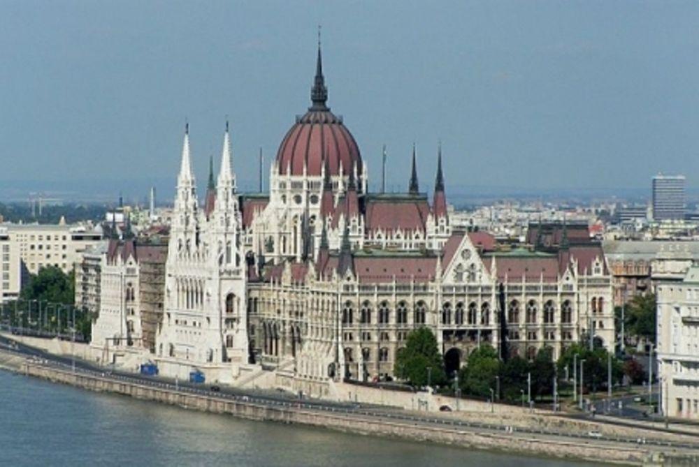 Στα ύψη το δημόσιο χρέος στην Ουγγαρία