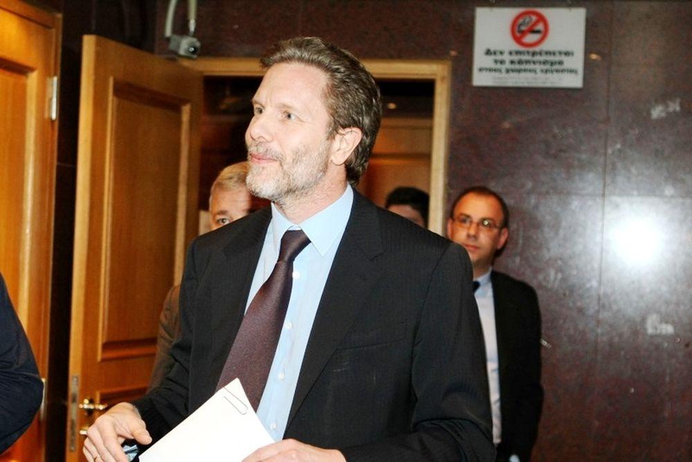 Γερουλάνος: «Δεν αλλάζει νόμο η διάταξη»