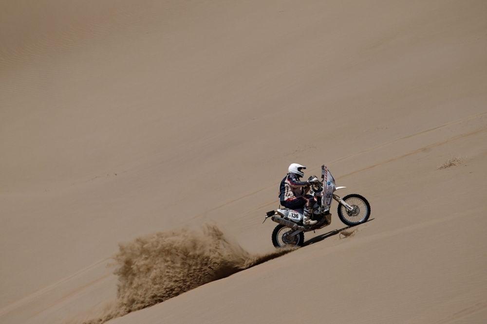 Dakar 2012: Κομά στις μοτοσικλέτες, Πετερανσέλ στα αυτοκίνητα