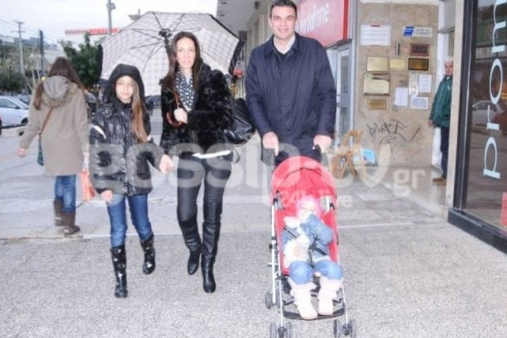 Η οικογενειακή βόλτα του Ρωμανίδη (photos)