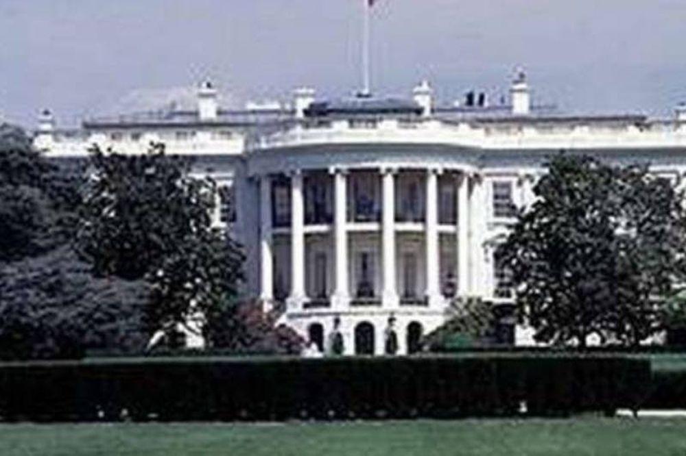 Έριξαν βόμβα στο Λευκό Οίκο!