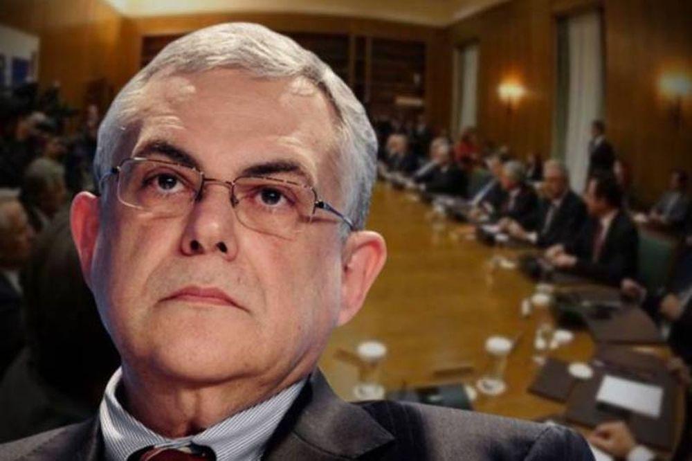 Aνταρσία βουλευτών προκαλεί πανικό στην κυβέρνηση Παπαδήμου