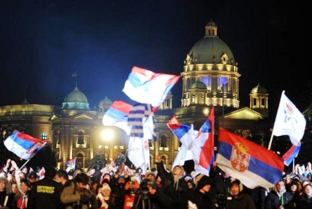 Κουράστηκαν να… χορεύουν οι Σέρβοι