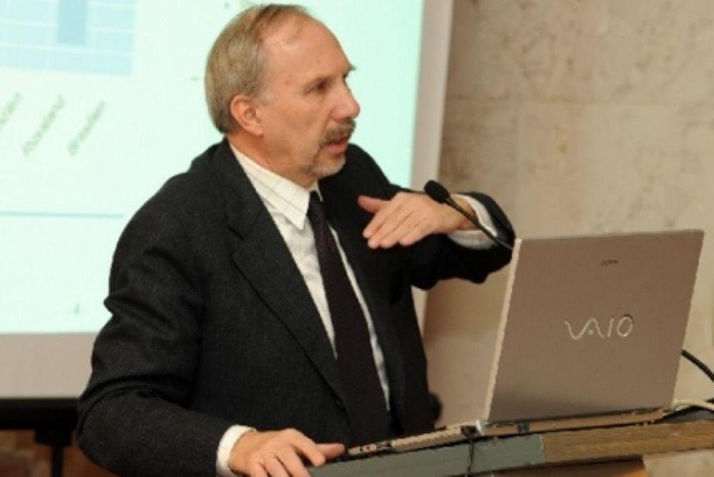 Νοβότνυ: «Δεν φεύγει από το ευρώ η Ελλάδα»