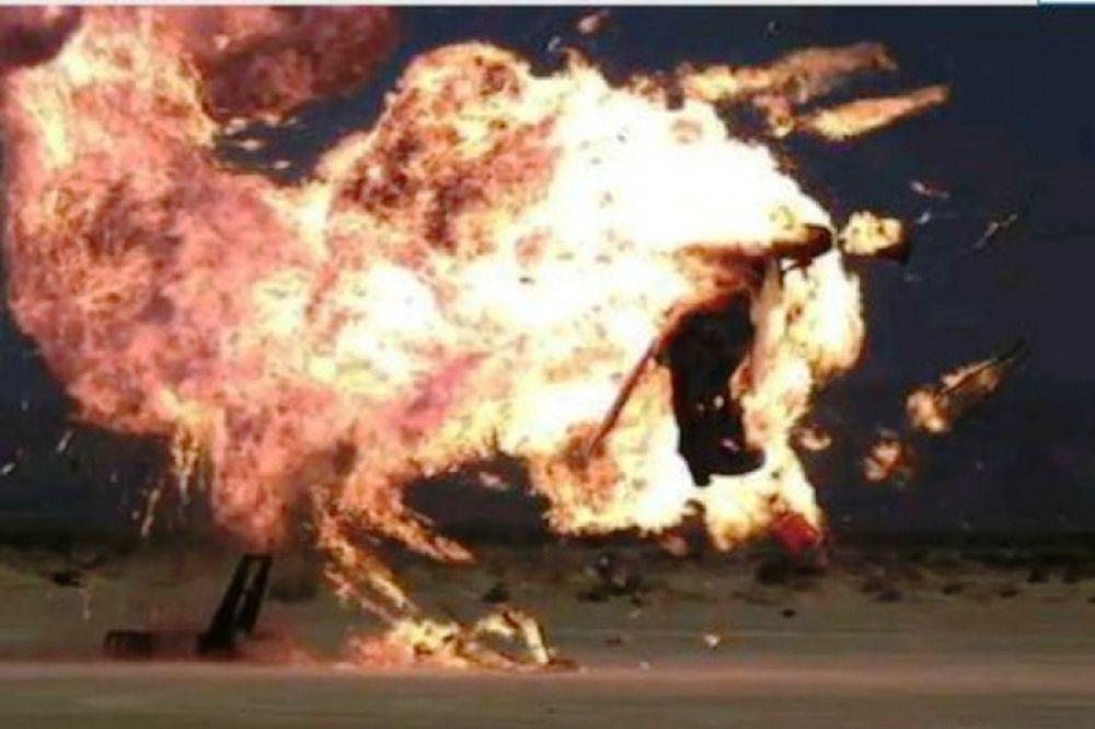 Έκρηξη αυτοκινήτου σε... slow motion (video)