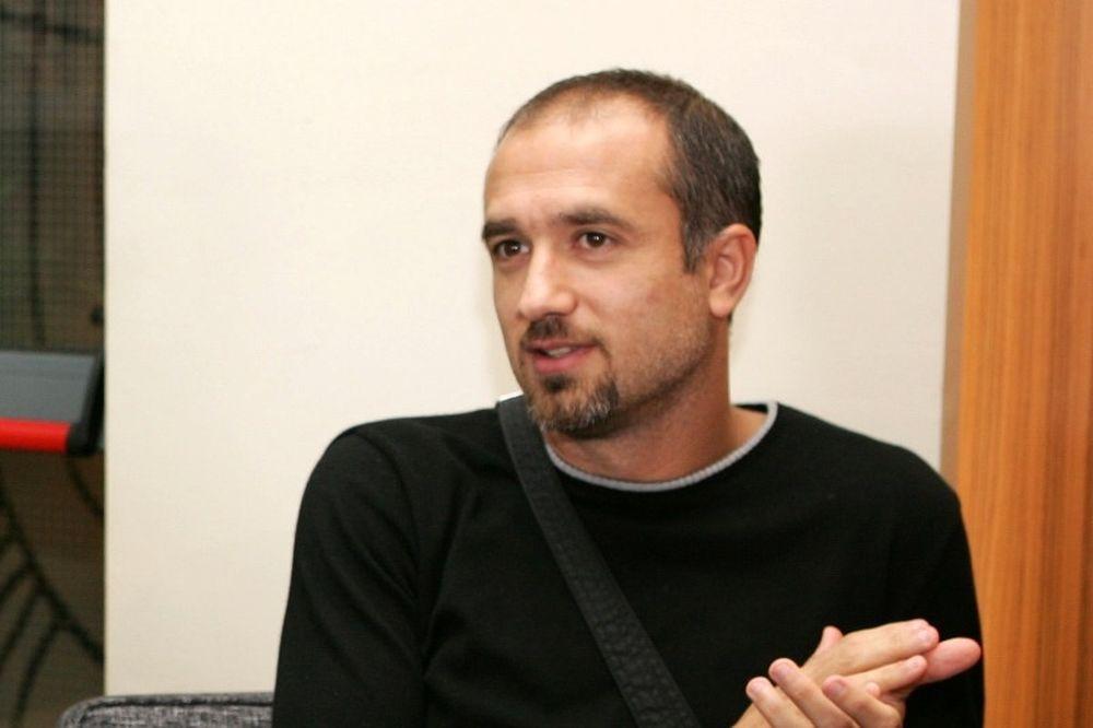 Μαυρογενίδης: «Ψυχολογικό προβάδισμα ο Ολυμπιακός»