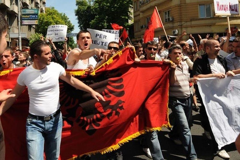 Οι Αλβανοί ζητούν να φύγουν οι λαθρομετανάστες από τη χώρα μας!