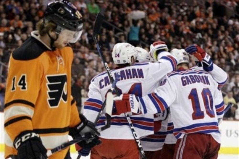 Χατ τρικ  ο Callahan και νέα νίκη των Ρέιντζερς