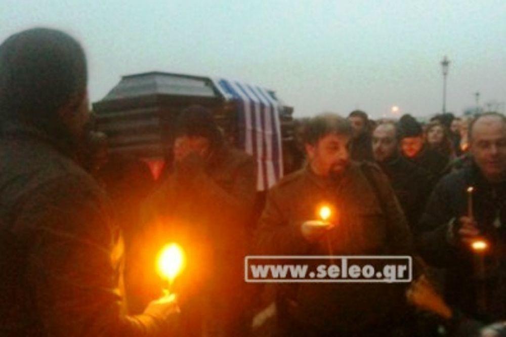 Κηδεία της Ελλάδας κάνουν οι Αγανακτισμένοι Θεσσαλονίκης