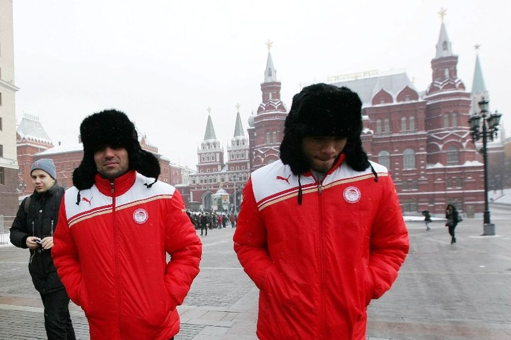 Οι «ερυθρόλευκοι» στην Κόκκινη Πλατεία (photos)