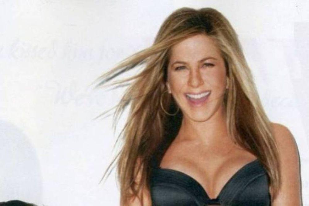 Αστεία αλλά… sexy η Jennifer Aniston