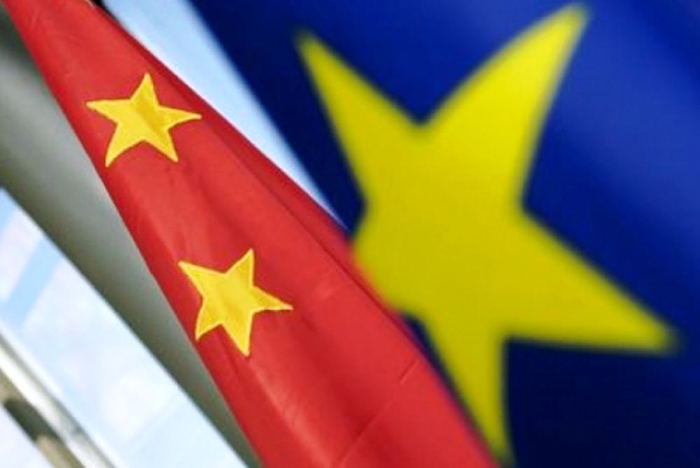 Οι Κινέζοι στηρίζουν την ευρωζώνη