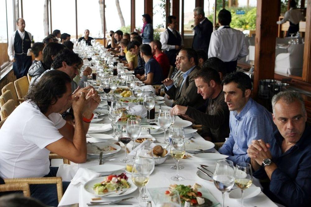 Τραπέζι Βαλβέρδε στους παίκτες του Ολυμπιακού