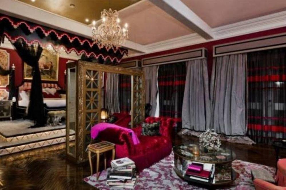 Το κιτς σπίτι της Αγκιλέρα