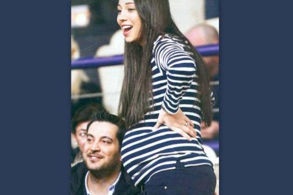 Η Χοψονίδου, ωραία και έγκυος