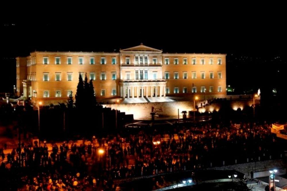 Αυτό που κάνουν οι Έλληνες, έχει όνομα: ΔΗΜΟΚΡΑΤΙΑ