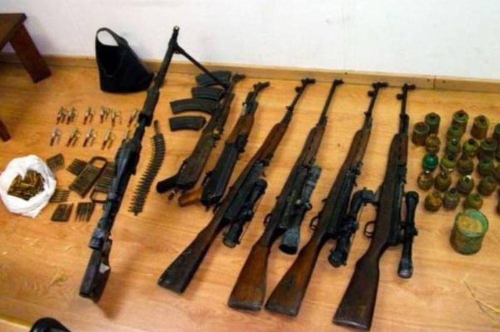 Όπλα και χειροβομβίδες στην Πρεσβεία της Λιβύης!