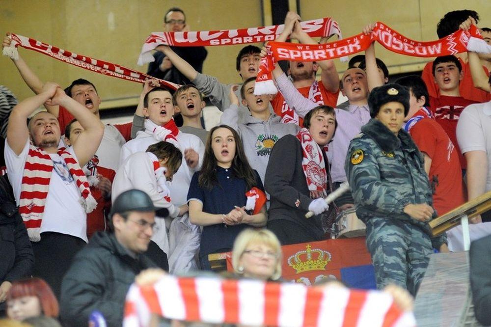 Οπαδοί της Σπαρτάκ Μόσχας στο πλευρό του Ολυμπιακού