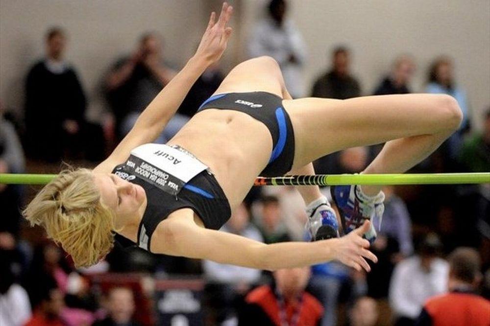 H Έιμι πηδάει... ψηλά! (photos+video)