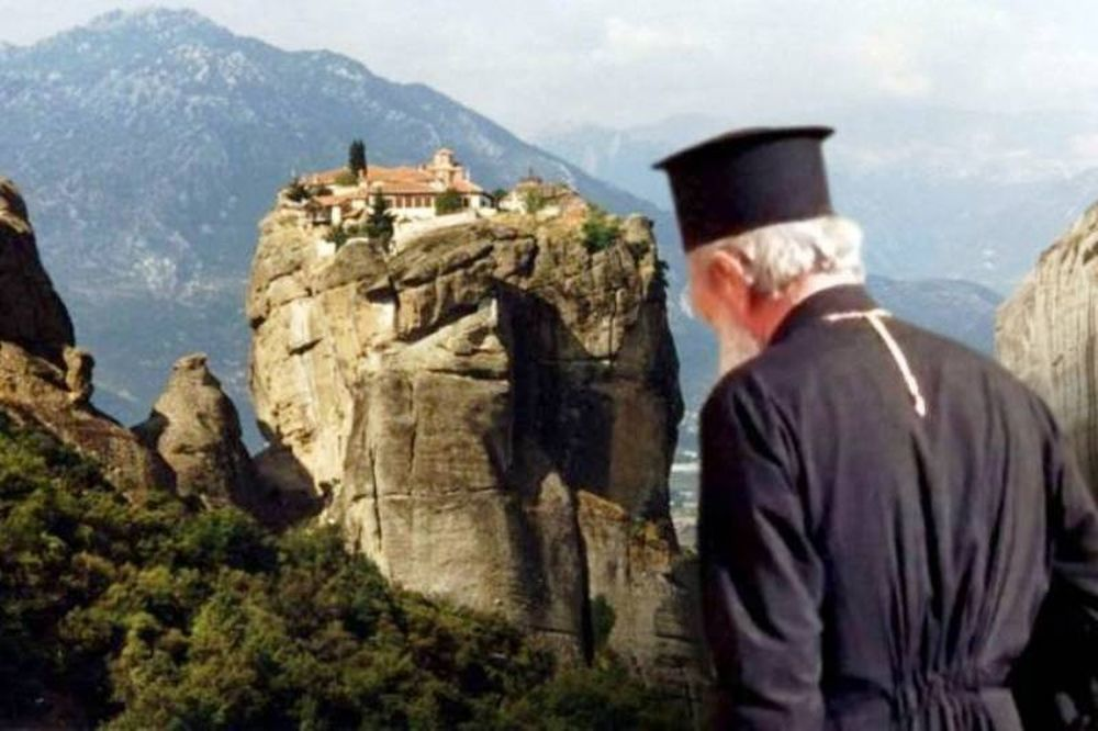 Τρέχουν στα μοναστήρια για να γλιτώσουν τα χρέη