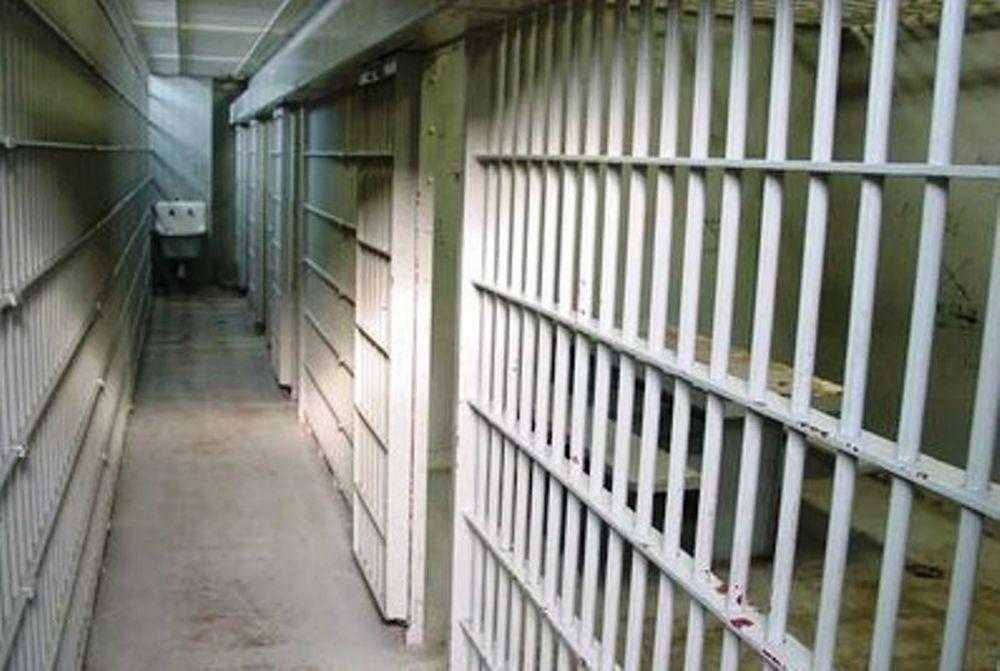 Αν και φυλακισμένος, έπαιρνε επίδομα ανεργίας