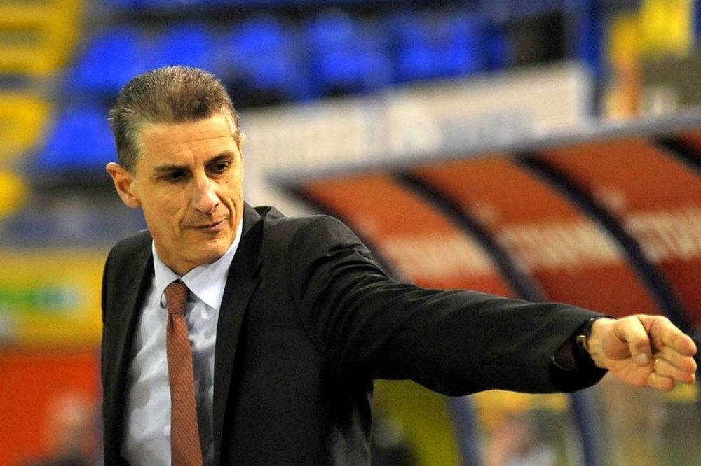 Λινάρδος: «Να μην ζήσει άλλος προπονητής αυτά που έζησα εγώ»