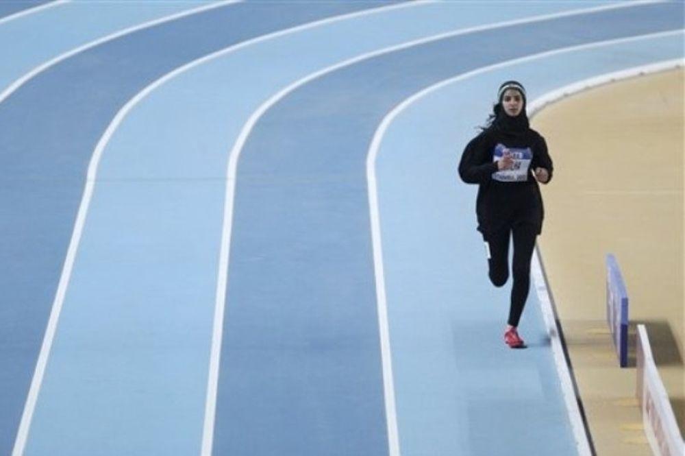 Παλαιστίνια έτρεξε με μπούργκα (photos)