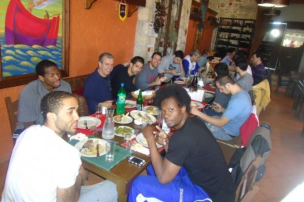 Συγχαρητήριο γεύμα στον ΑΓΟΡ