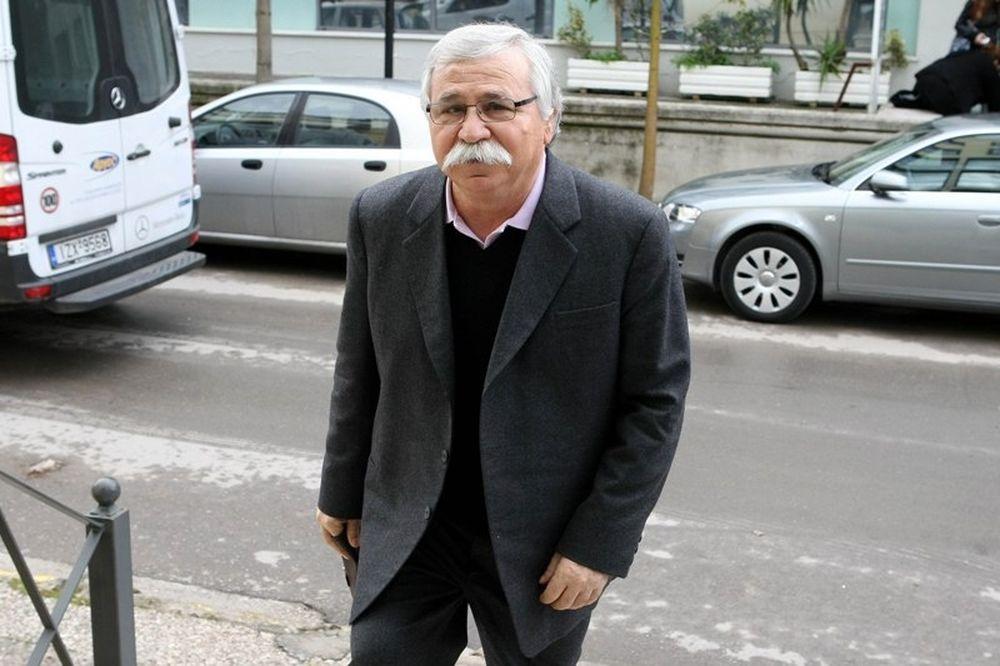 Παπουτσάκης: «Καταδικάζουμε τα επεισόδια»