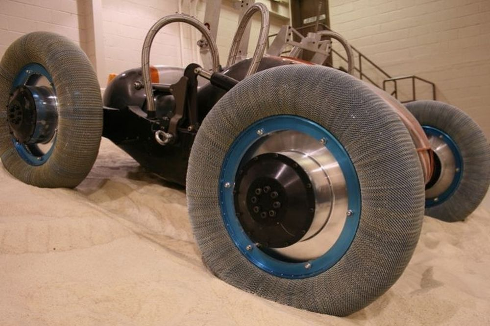 Η Goodyear κατασκεύασε λάστιχα για το φεγγάρι