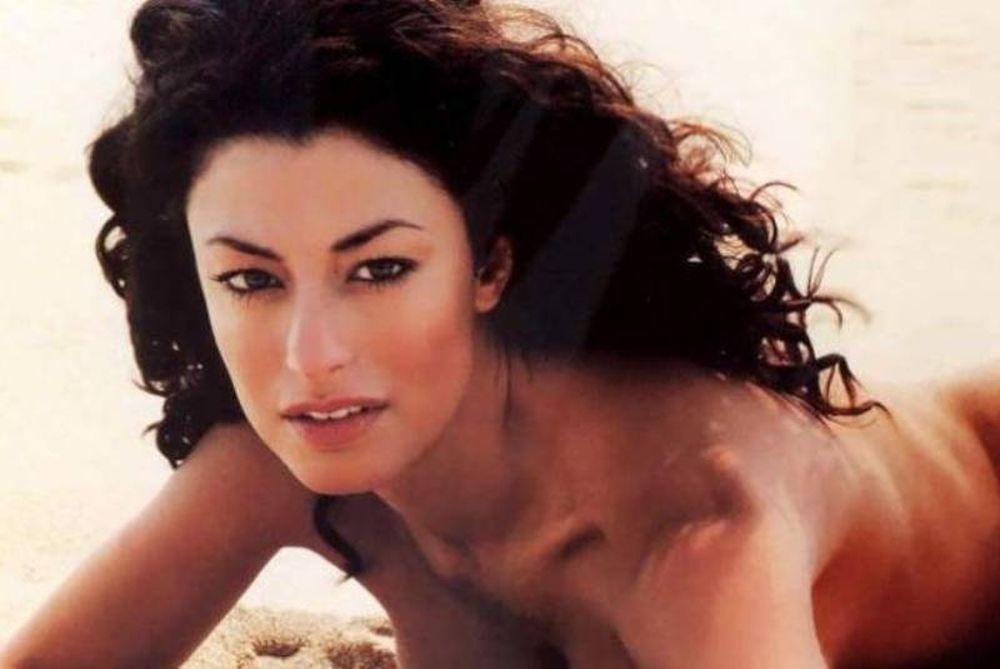 Η ελληνική ομορφιά της Δωροθέας Μερκούρη (photos)