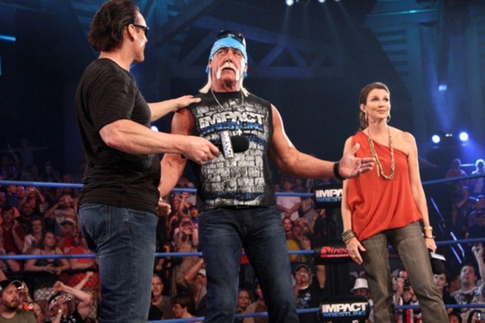 Στα... χέρια του Hulk Hogan το IMPACT