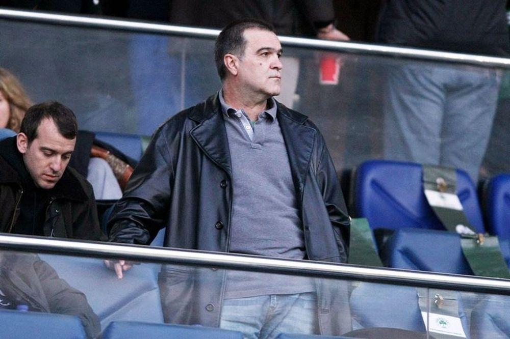 Σκέφτεται να απαντήσει με αγωγές ο Βγενόπουλος