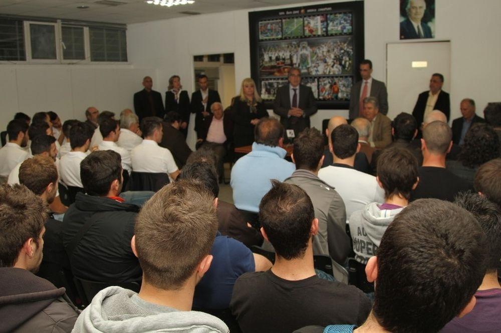 Μπρατσόλης: «Το ποδόσφαιρο να αγκαλιάσει την κοινωνία»