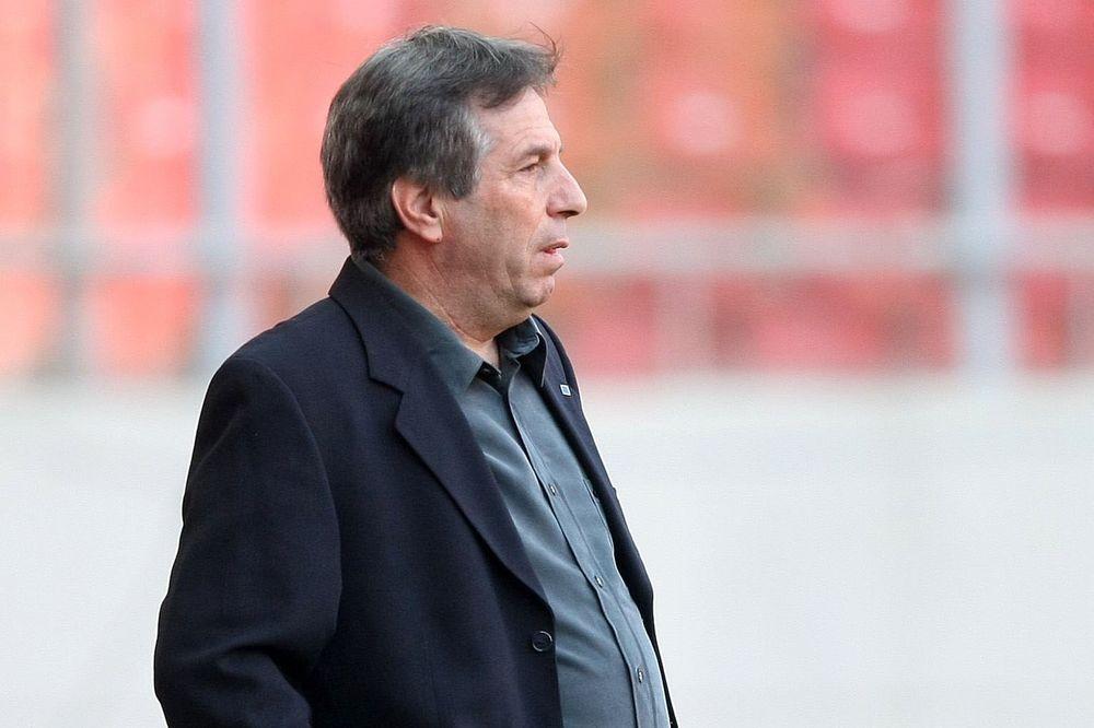 Χατζηαντωνίου: «Παίζαμε 11 εναντίον 14»