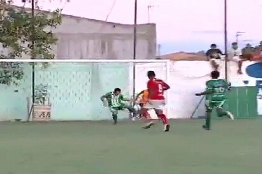 Ball boy σώζει την μπάλα στη γραμμή! (video)