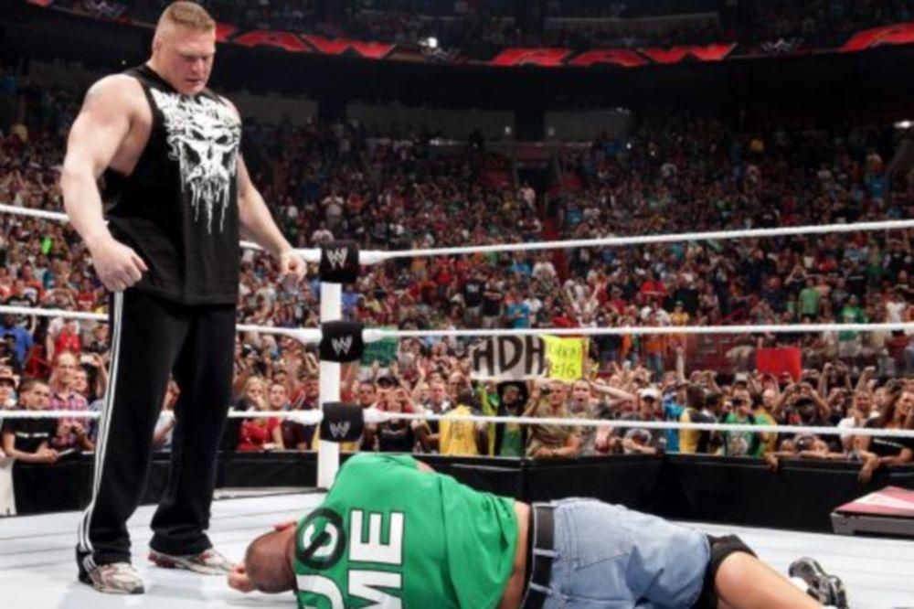 Η... ανωμαλία επέστρεψε στο Raw