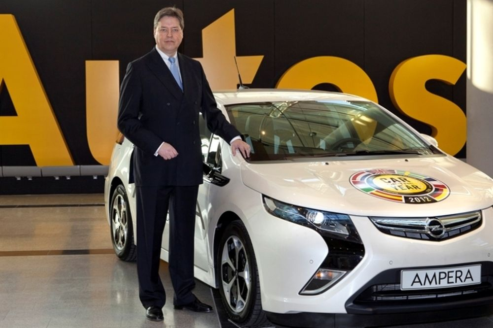Ο Άλφρεντ Ρικ στην Opel