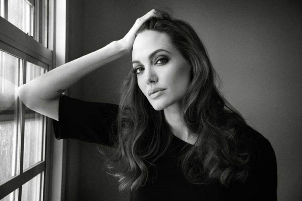 Η... αποθέωση της Angelina Jolie! (photos)