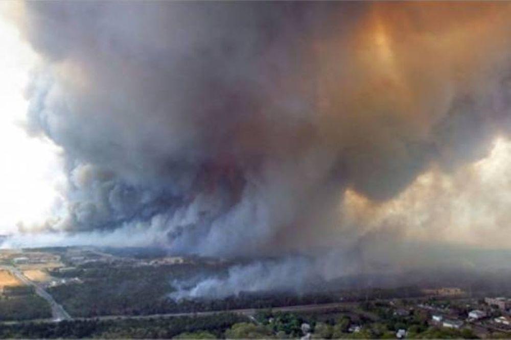 Δεκάδες πυρκαγιές στις ΗΠΑ