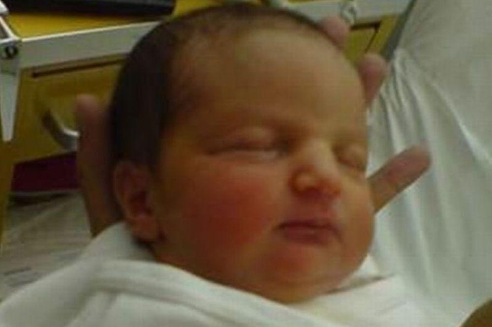 Δείτε το μωρό Καραμανλής!