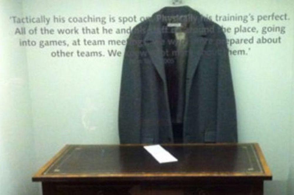 Το παλτό του Μουρίνιο στο μουσείο της Τσέλσι!
