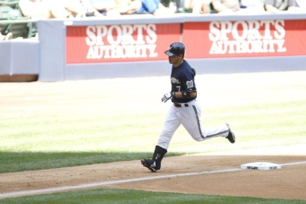 Δύο home runs ο Norichika Aoki στη νίκη των Μιλγουόκι Μπρούερς