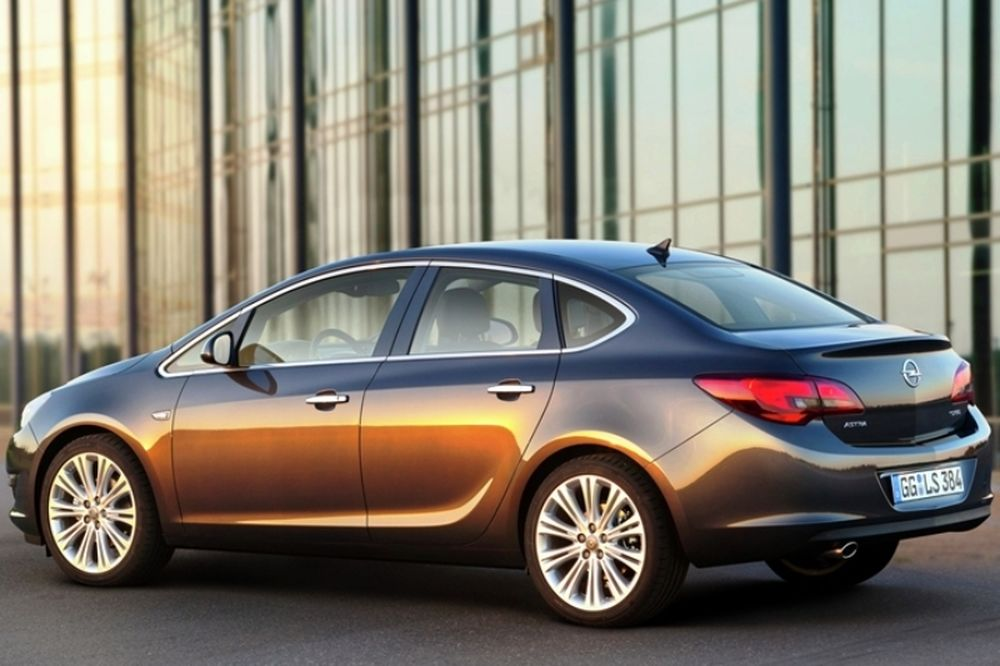 Opel Astra 4d
