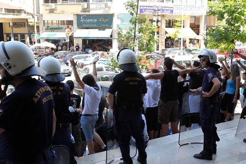 Ξεκίνησαν οι ανακρίσεις των συλληφθέντων οπαδών του ΠΑΟΚ